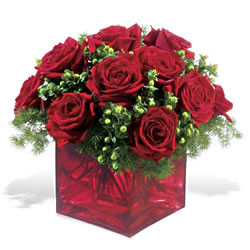 Niğde yurtiçi ve yurtdışı çiçek siparişi  9 adet kirmizi gül cam yada mika vazoda