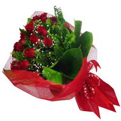 Niğde anneler günü çiçek yolla  12 adet kirmizi essiz gül buketi - SEVENE ÖZEL