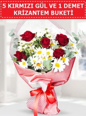 5 adet kırmızı gül ve krizantem buketi  Niğde İnternetten çiçek siparişi