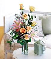 Niğde çiçek gönderme sitemiz güvenlidir  cam yada mika vazo içerisinde gül kazablanka