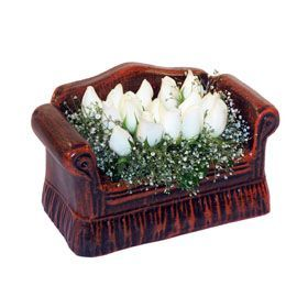 seramik içerisinde 11 gül  Niğde çiçek gönderme