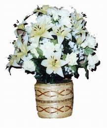 yapay karisik çiçek sepeti   Niğde 14 şubat sevgililer günü çiçek