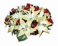 yapay karisik çiçek sepeti   Niğde hediye çiçek yolla