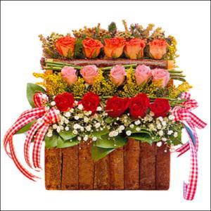 sandikta 3 kat güllerden   Niğde çiçekçiler