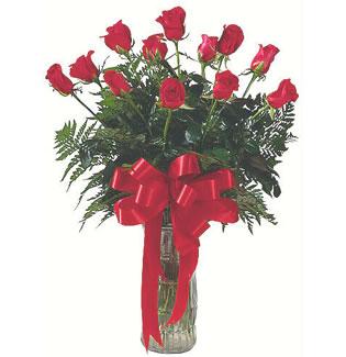 12 adet gül cam içerisinde  Niğde çiçekçiler