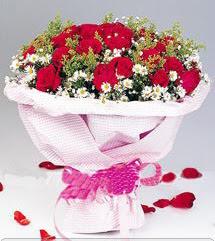 Niğde çiçek , çiçekçi , çiçekçilik  12 ADET KIRMIZI GÜL BUKETI