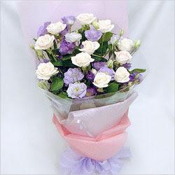Niğde çiçek , çiçekçi , çiçekçilik  BEYAZ GÜLLER VE KIR ÇIÇEKLERIS BUKETI