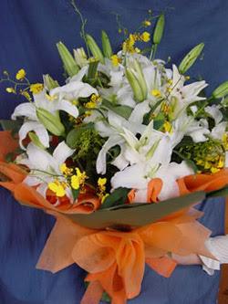 Niğde çiçek , çiçekçi , çiçekçilik  5 ADET KAZABLANKA BUKETI KALITEDEN SASMAYANLARA
