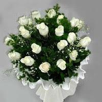 Niğde çiçek gönderme  11 adet beyaz gül buketi ve bembeyaz amnbalaj