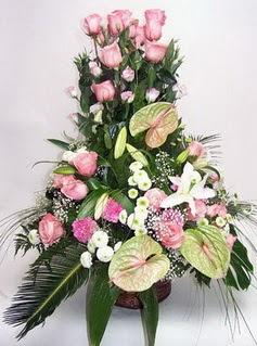 Niğde çiçek yolla  özel üstü süper aranjman