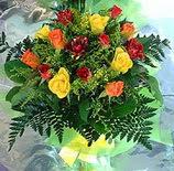 13 adet karisik gül buketi demeti   Niğde internetten çiçek siparişi