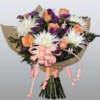 güller ve kir çiçekleri demeti   Niğde ucuz çiçek gönder