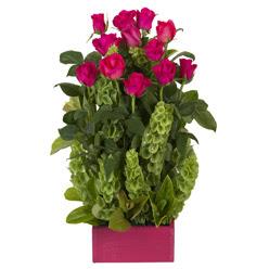 12 adet kirmizi gül aranjmani  Niğde 14 şubat sevgililer günü çiçek