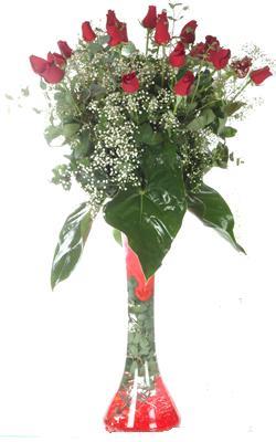 Niğde internetten çiçek siparişi  19 ADET GÜL VE FIL CAM AYAGI