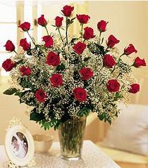 Niğde çiçek gönderme sitemiz güvenlidir  özel günler için 12 adet kirmizi gül