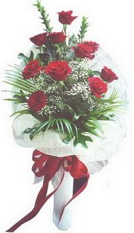 Niğde çiçek gönderme  10 adet kirmizi gülden buket tanzimi özel anlara