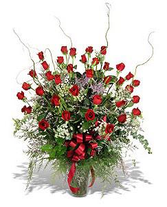 Niğde çiçek satışı  33 adet kirmizi gül vazo içerisinde