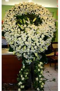 Cenaze çelenk , cenaze çiçekleri , çelengi  Niğde İnternetten çiçek siparişi