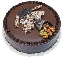 Çikolatali yas pasta 4 ile 6 kisilik  leziz  Niğde 14 şubat sevgililer günü çiçek