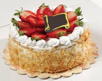 uygun pastaneler 4 ile 6 kisilik çilekli yas pasta lezzetli  Niğde çiçekçi mağazası