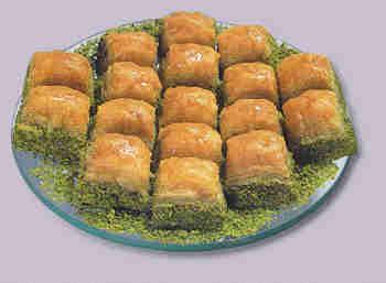 pasta tatli satisi essiz lezzette 1 kilo fistikli baklava  Niğde hediye çiçek yolla