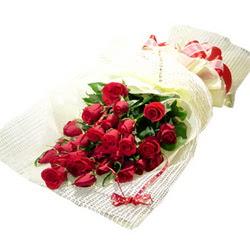 Çiçek gönderme 13 adet kirmizi gül buketi  Niğde İnternetten çiçek siparişi