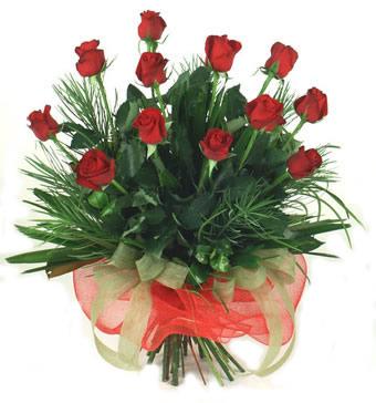 Çiçek yolla 12 adet kirmizi gül buketi  Niğde hediye sevgilime hediye çiçek