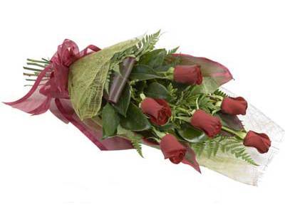 ucuz çiçek siparisi 6 adet kirmizi gül buket  Niğde çiçek satışı