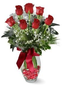 7 adet vazoda gül  Niğde çiçek , çiçekçi , çiçekçilik  kirmizi gül