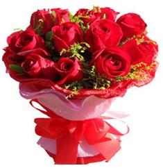 9 adet kirmizi güllerden kipkirmizi buket  Niğde ucuz çiçek gönder