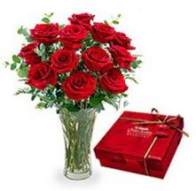 Niğde çiçekçi telefonları  10 adet cam yada mika vazoda gül çikolata