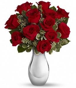 Niğde çiçekçi mağazası   vazo içerisinde 11 adet kırmızı gül tanzimi