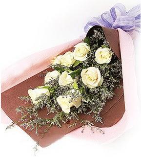 Niğde internetten çiçek satışı  9 adet beyaz gülden görsel buket çiçeği