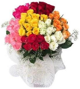 Niğde çiçek yolla , çiçek gönder , çiçekçi   51 adet farklı renklerde gül buketi