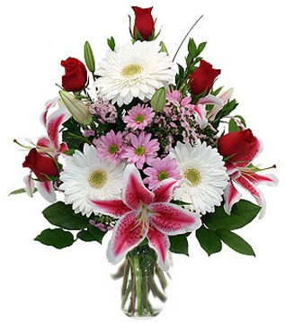 Niğde 14 şubat sevgililer günü çiçek  1 dal kazablanka 5 gül ve kırçiçeği vazosu