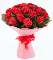 12 adet kırmızı gül buketi  Niğde çiçek satışı