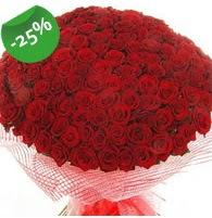 151 adet sevdiğime özel kırmızı gül buketi  Niğde çiçek satışı