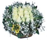 Niğde ucuz çiçek gönder  Beyaz harika bir gül sepeti