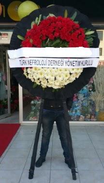 Cenaze çiçek modeli  Niğde çiçek satışı