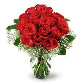 25 adet kırmızı gül cam vazoda  Niğde çiçek gönderme sitemiz güvenlidir