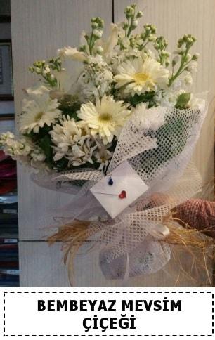 Bembeyaz görsel mevsim çiçek buketi  Niğde yurtiçi ve yurtdışı çiçek siparişi