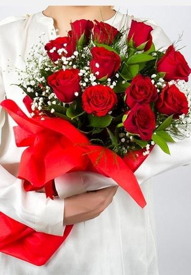 Aşk Gülleri 11 Adet kırmızı gül buketi  Niğde çiçek yolla , çiçek gönder , çiçekçi