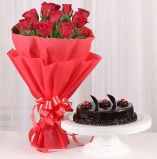 10 Adet kırmızı gül ve 4 kişilik yaş pasta  Niğde çiçek , çiçekçi , çiçekçilik