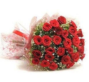 27 Adet kırmızı gül buketi  Niğde çiçek yolla