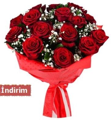 12 Adet kırmızı aşk gülleri  Niğde İnternetten çiçek siparişi