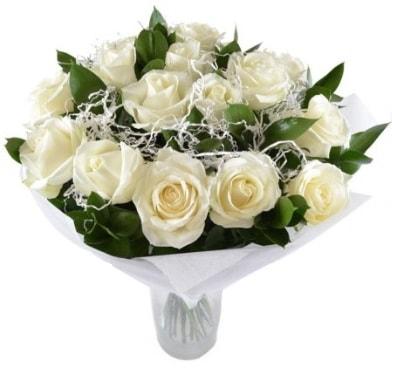 15 beyaz gül buketi sade aşk  Niğde İnternetten çiçek siparişi